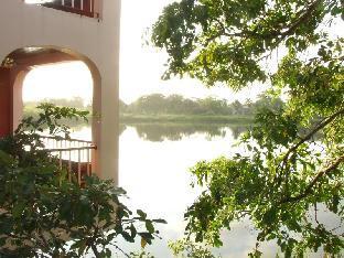 Lamanai Landings Resort and Marina