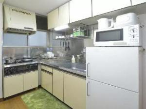 TW9 2 Bedroom Apartment in Ikebukuro Area