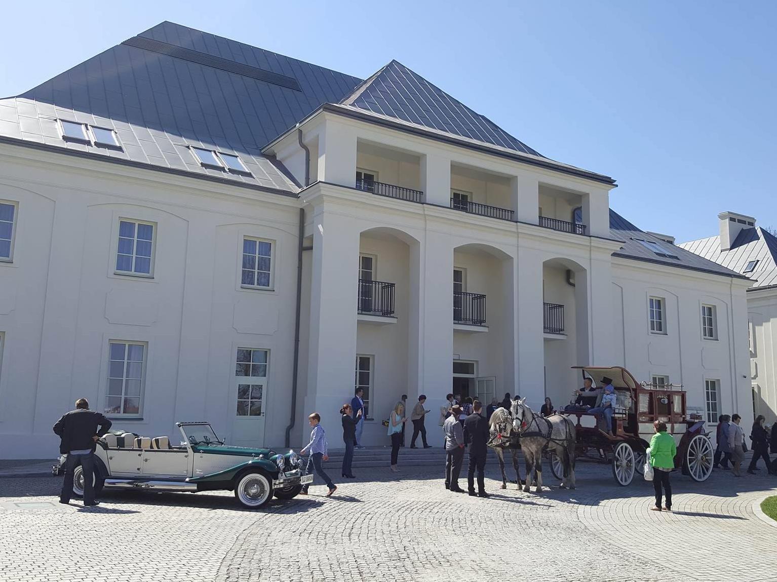 Bishop's Castle Janow Podlaski