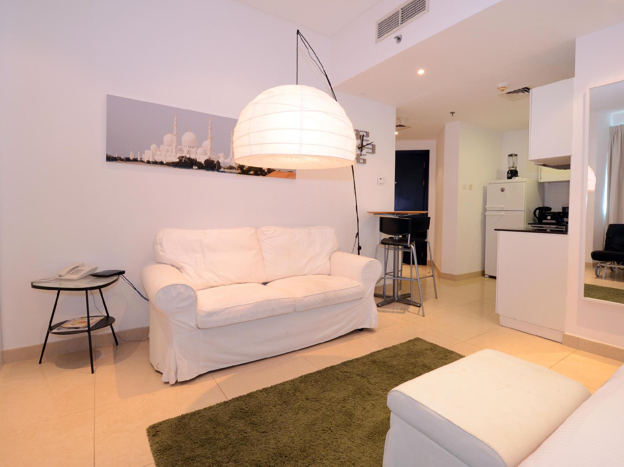 Key One Holiday Homes Yacht Bay Studio1302