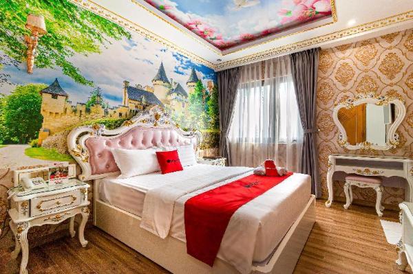 RedDoorz Premium @ Cao Thang Street Ho Chi Minh City