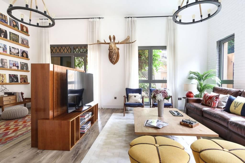 Opulent + Unique 3BR Apartment In Souk Al Manzil