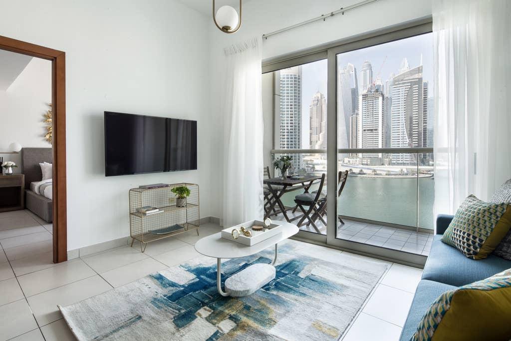 Elegantly Modern 1BR With Lovely Marina Views