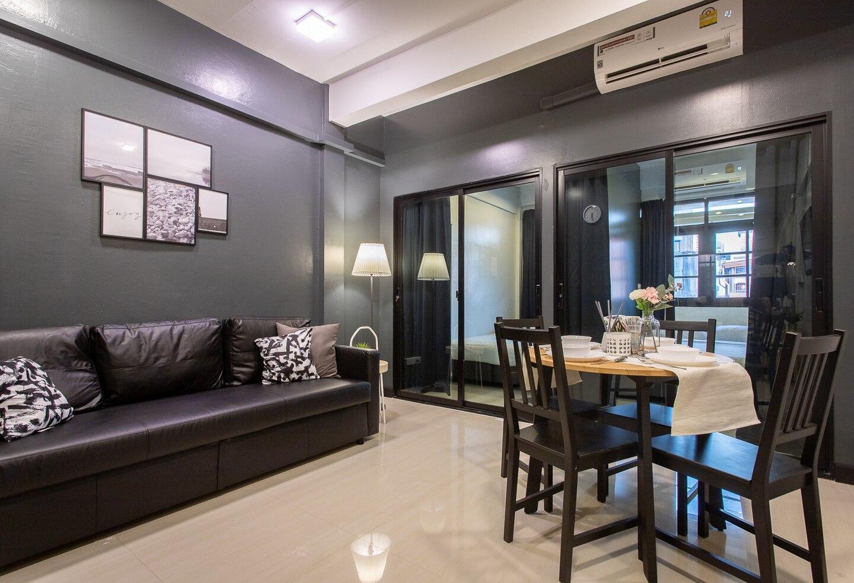 (T5) 2 Bedrooms/6guests/full kitchen/1 min to BTS อพาร์ตเมนต์ 2 ห้องนอน 1 ห้องน้ำส่วนตัว ขนาด 42 ตร.ม. – ธนบุรี