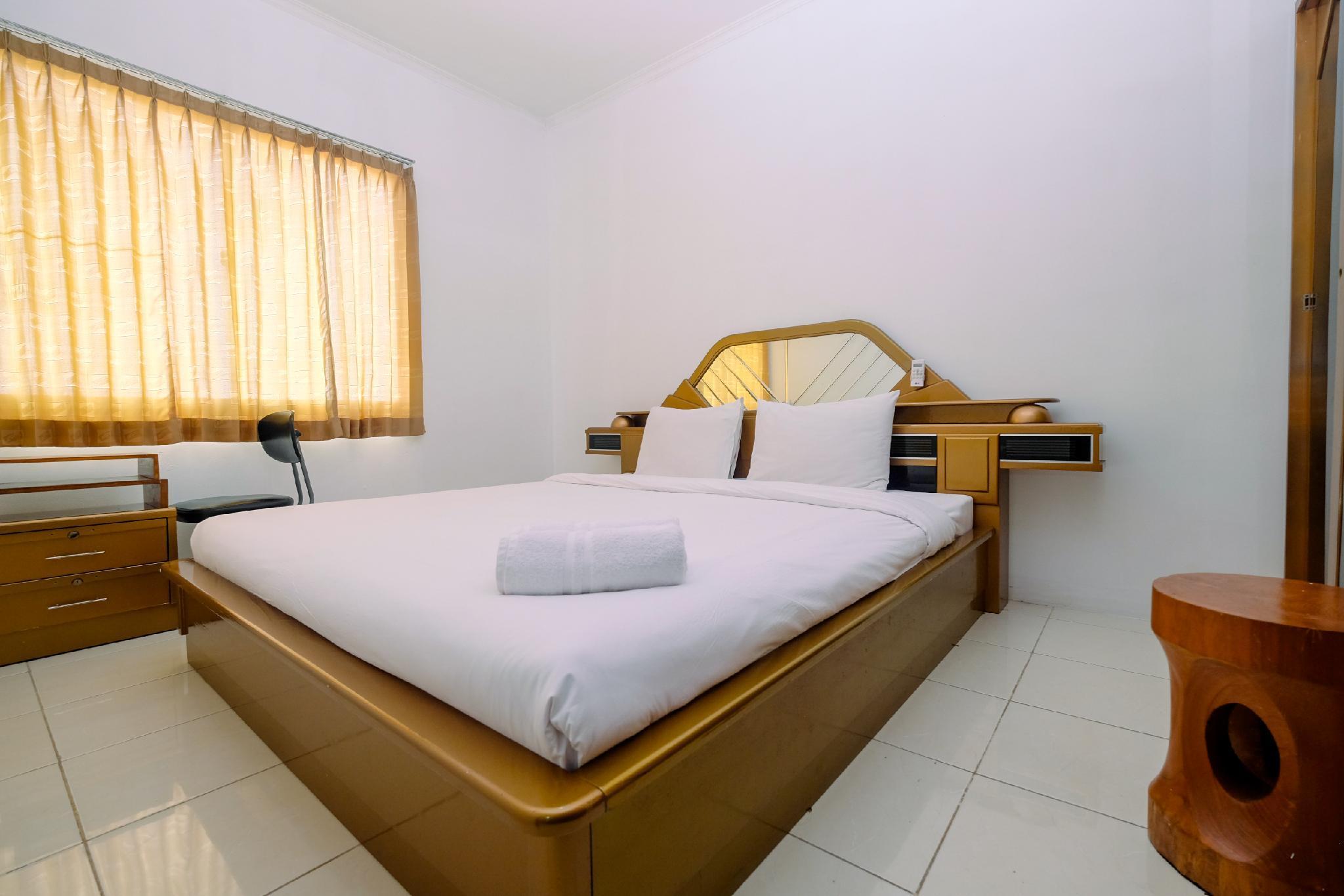 Comfy 2BR Mediterania Marina Apartment By Travelio
