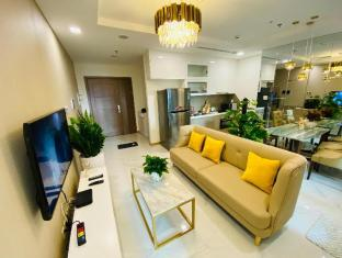 Lux Home by Vince - Elegant Landmark 81 Apartment - Ho Chi Minh City