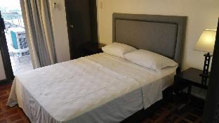 picture 1 of Cozy Apartment near Greenbelt