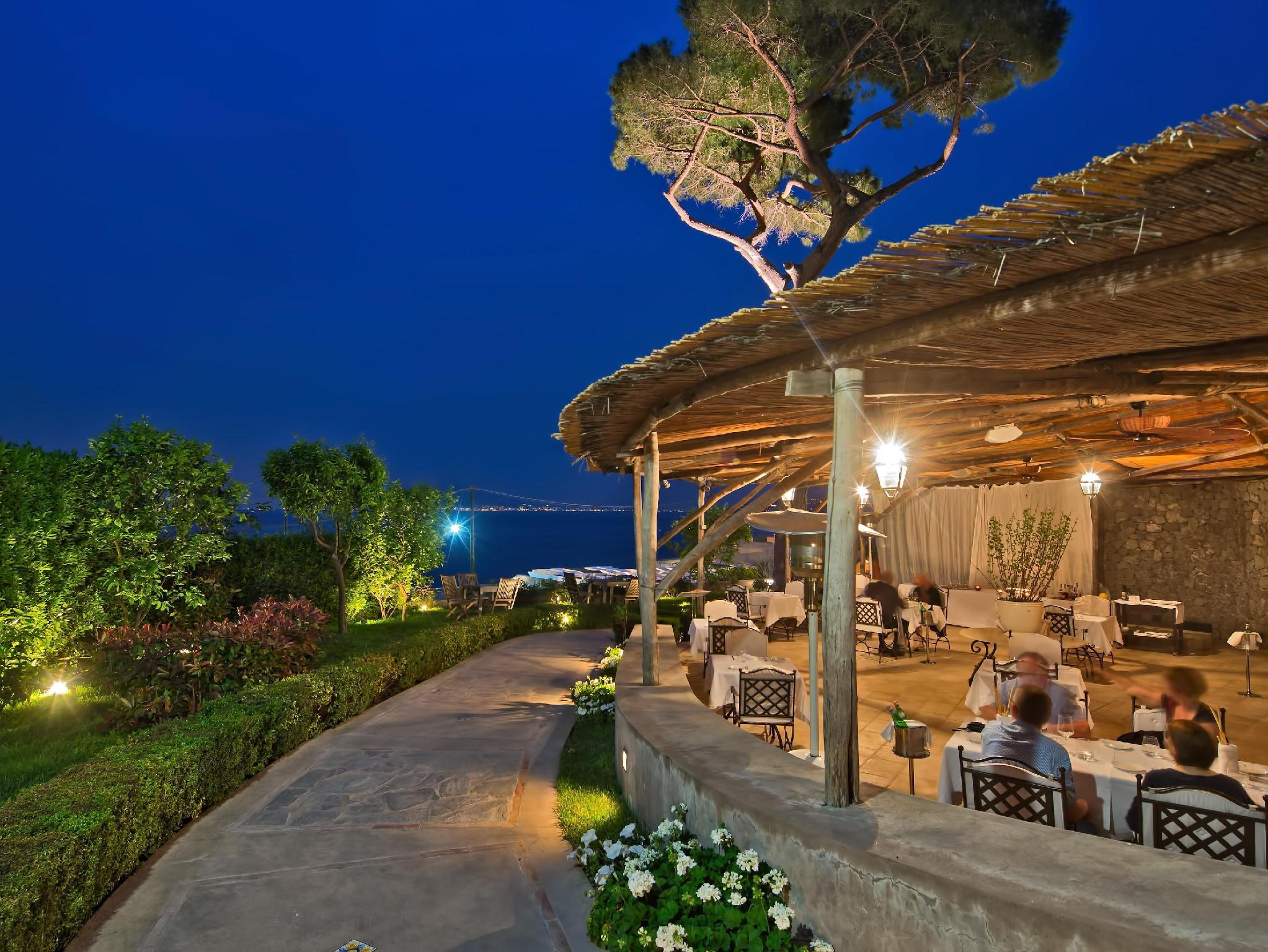 Capri hotel la residenza in italy europe for Capri villa