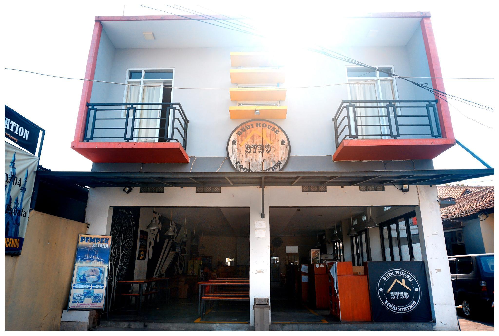 Budi House And Food Station
