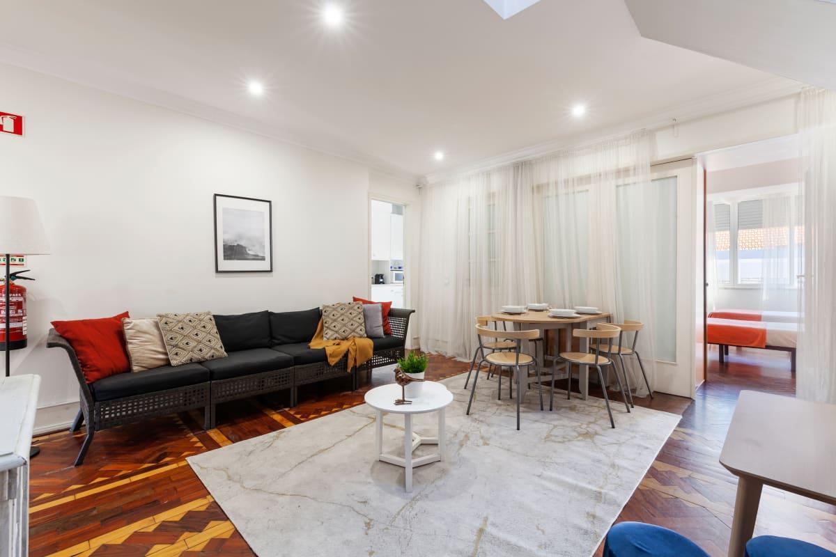 Spacious 7bed Apartment In Arroios