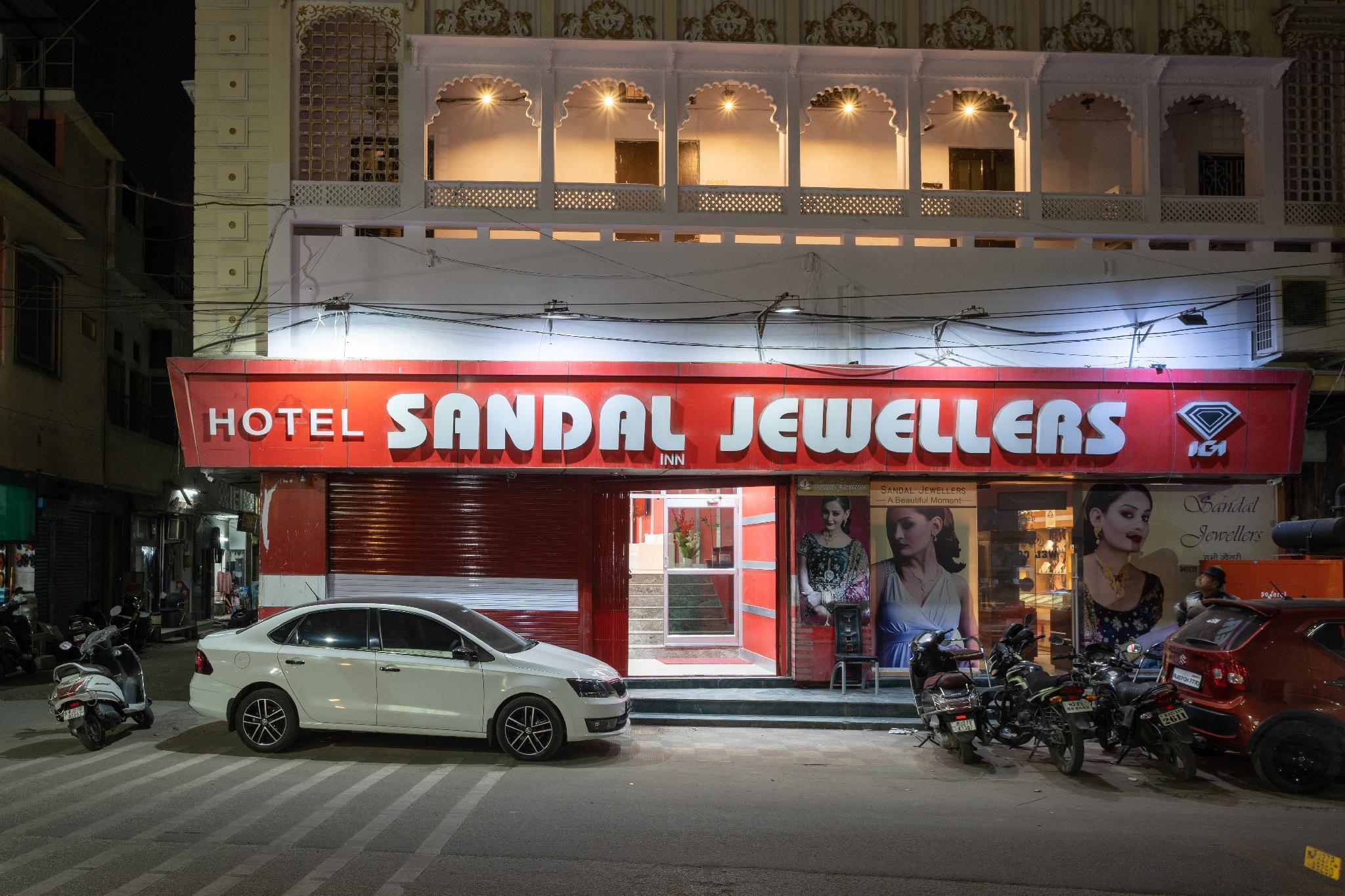 Hotel Sandal Inn