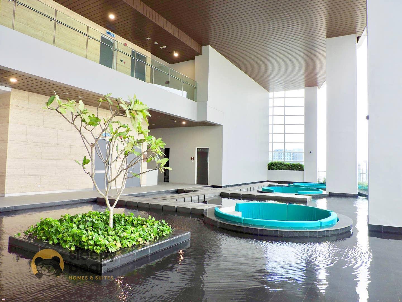 ZFf  Paradigm Mall Azure Residences