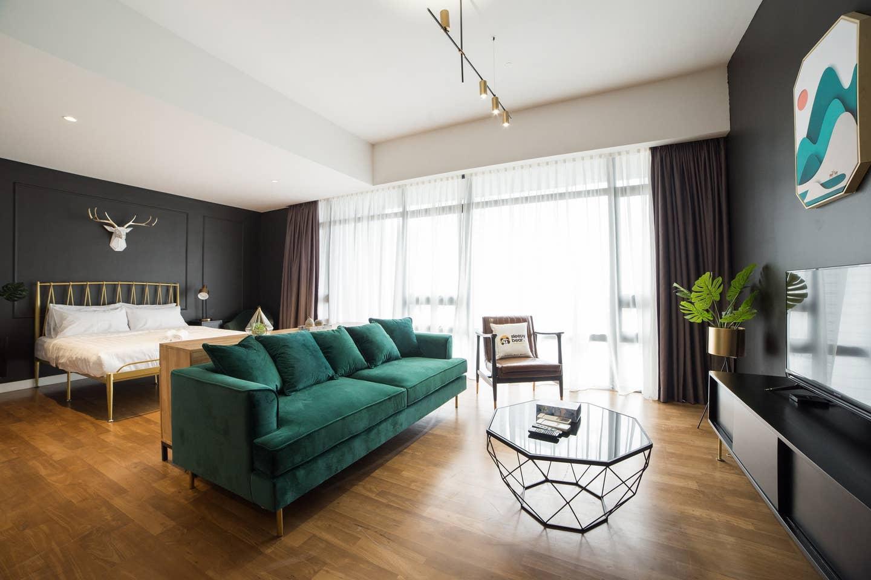GF  Modern Scandinavian Designer Suite In Centre