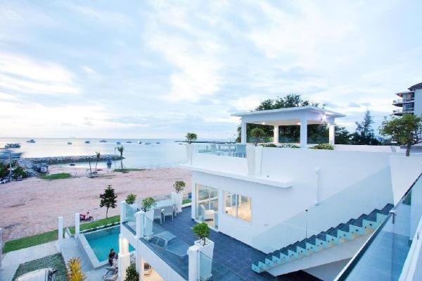 7th Heaven Beach Front pool villa Pattaya
