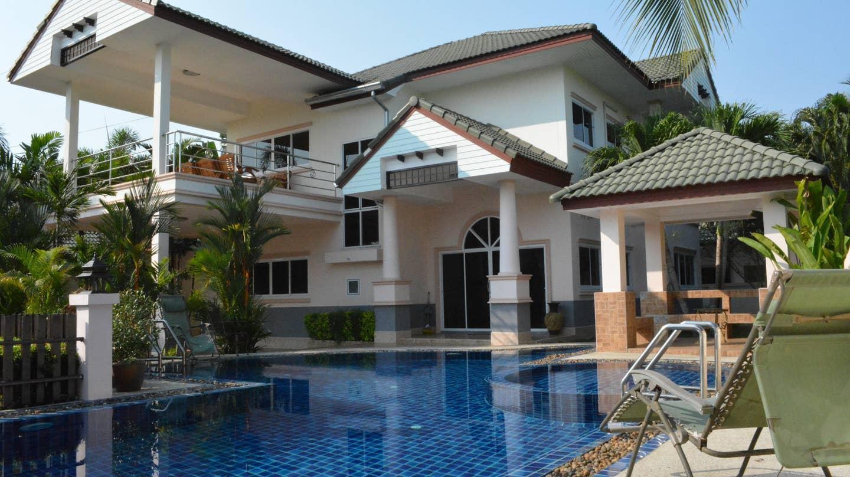 4 bedroom in South Pattaya gated บ้านเดี่ยว 4 ห้องนอน 3 ห้องน้ำส่วนตัว ขนาด 72 ตร.ม. – บางสเหร่