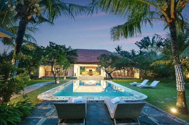 3-BR Villas with Private Pool and Breakfast.