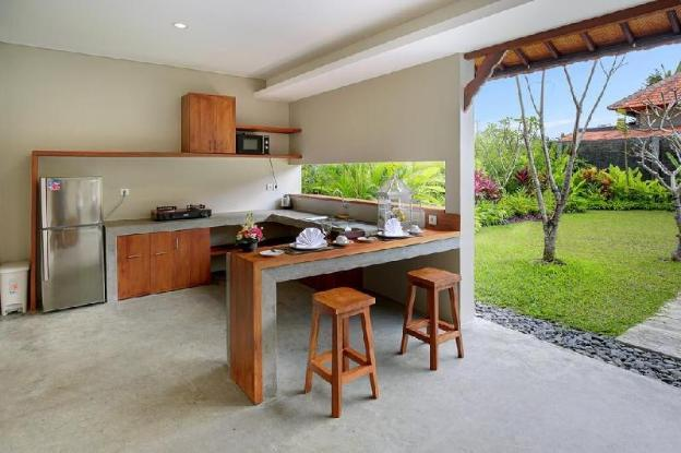 1-BR Villa with Private Pool and Breakfast