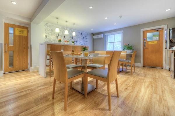 Comfort Inn & Suites King