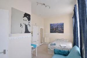 Kensington Rooms Apartment
