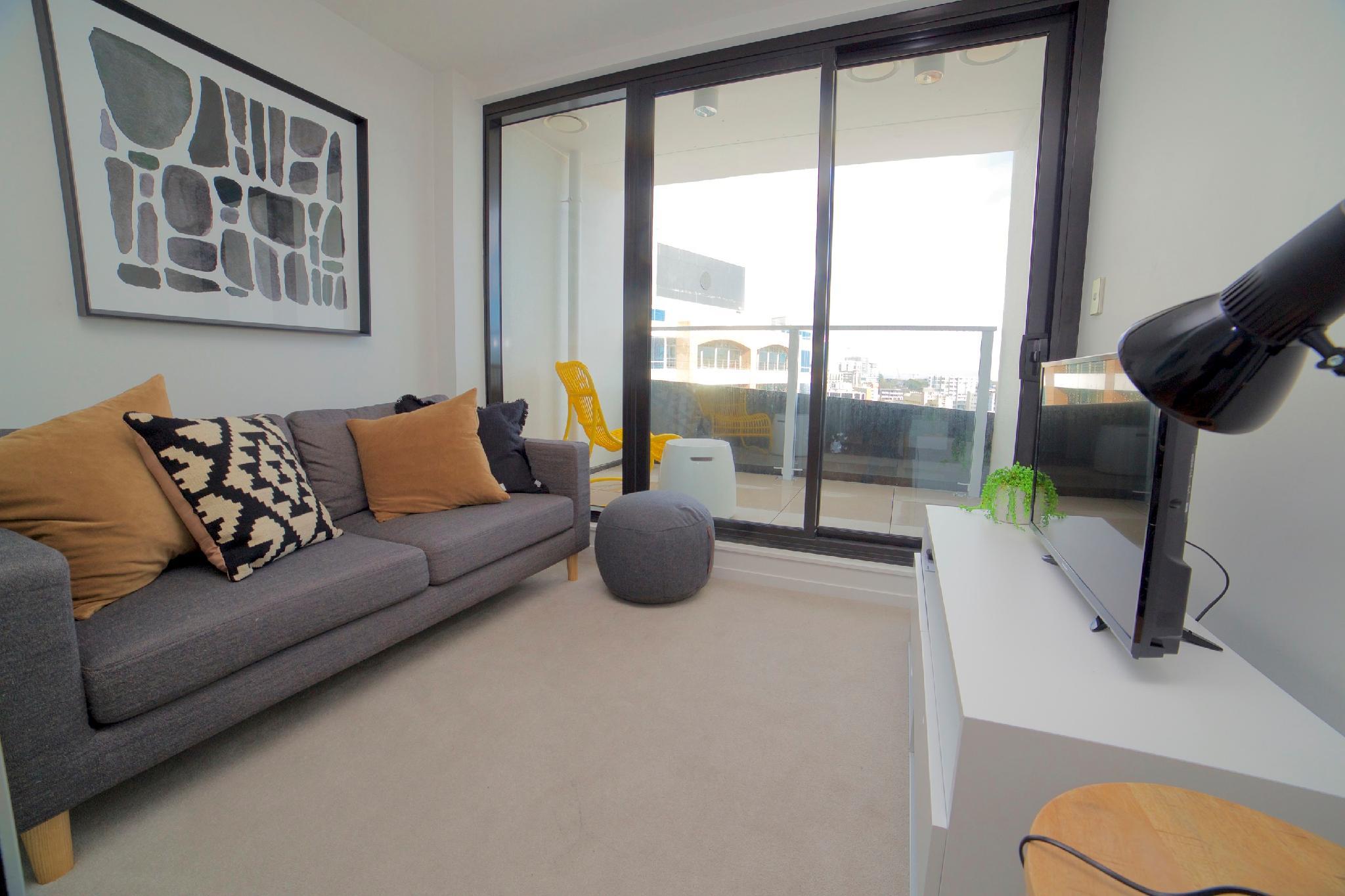 Amazing Views   One Bedroom Apartment With Balcony