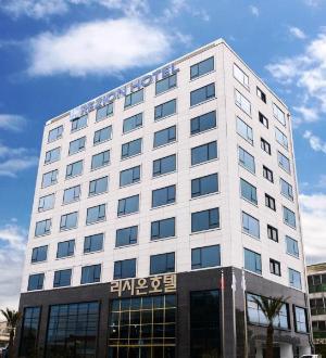 雷佐酒店 (Rezion Hotel)