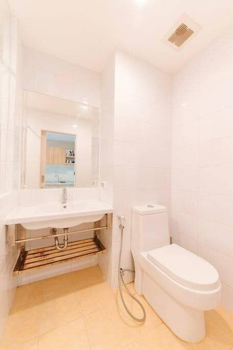 1 Bedroom Pool Condominium in Pattaya Downtown อพาร์ตเมนต์ 1 ห้องนอน 1 ห้องน้ำส่วนตัว ขนาด 35 ตร.ม. – พัทยาใต้