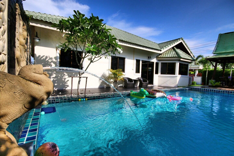 The Siam Place Pool Villa วิลลา 3 ห้องนอน 2 ห้องน้ำส่วนตัว ขนาด 200 ตร.ม. – มาบประชันเรเซอเวอร์