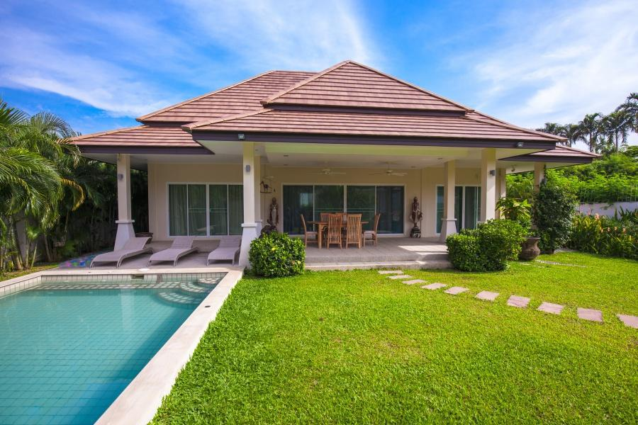 Calm Villa, Tropical Modern place with Pool Calm Villa, Tropical Modern place with Pool