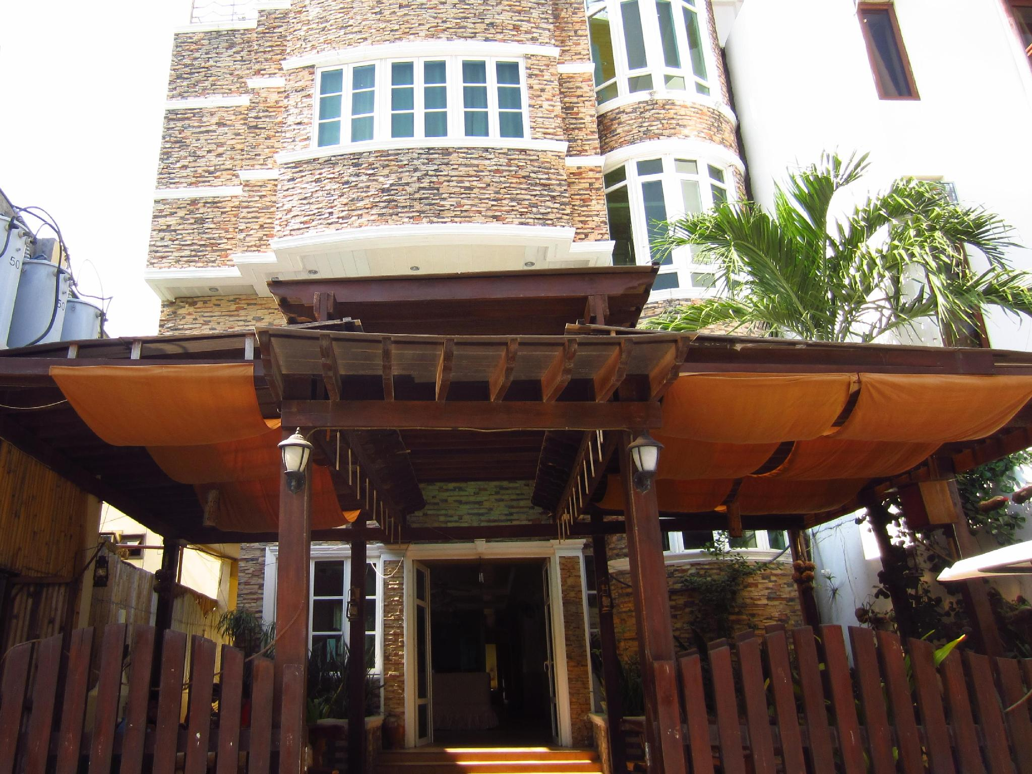Boracay Breeze Hotel