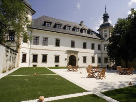 JUFA Hotel Schloss Rothelstein