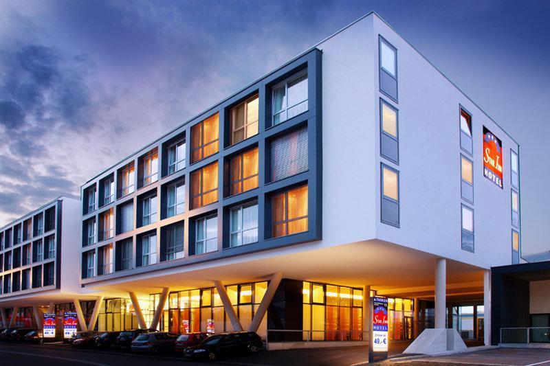 Star Inn Hotel Salzburg Airport Messe