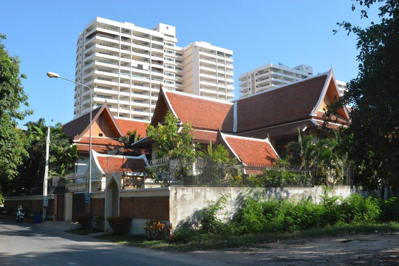 3 bedroom  187 m beachfront Pattaya วิลลา 3 ห้องนอน 4 ห้องน้ำส่วนตัว ขนาด 200 ตร.ม. – เขาพระตำหนัก