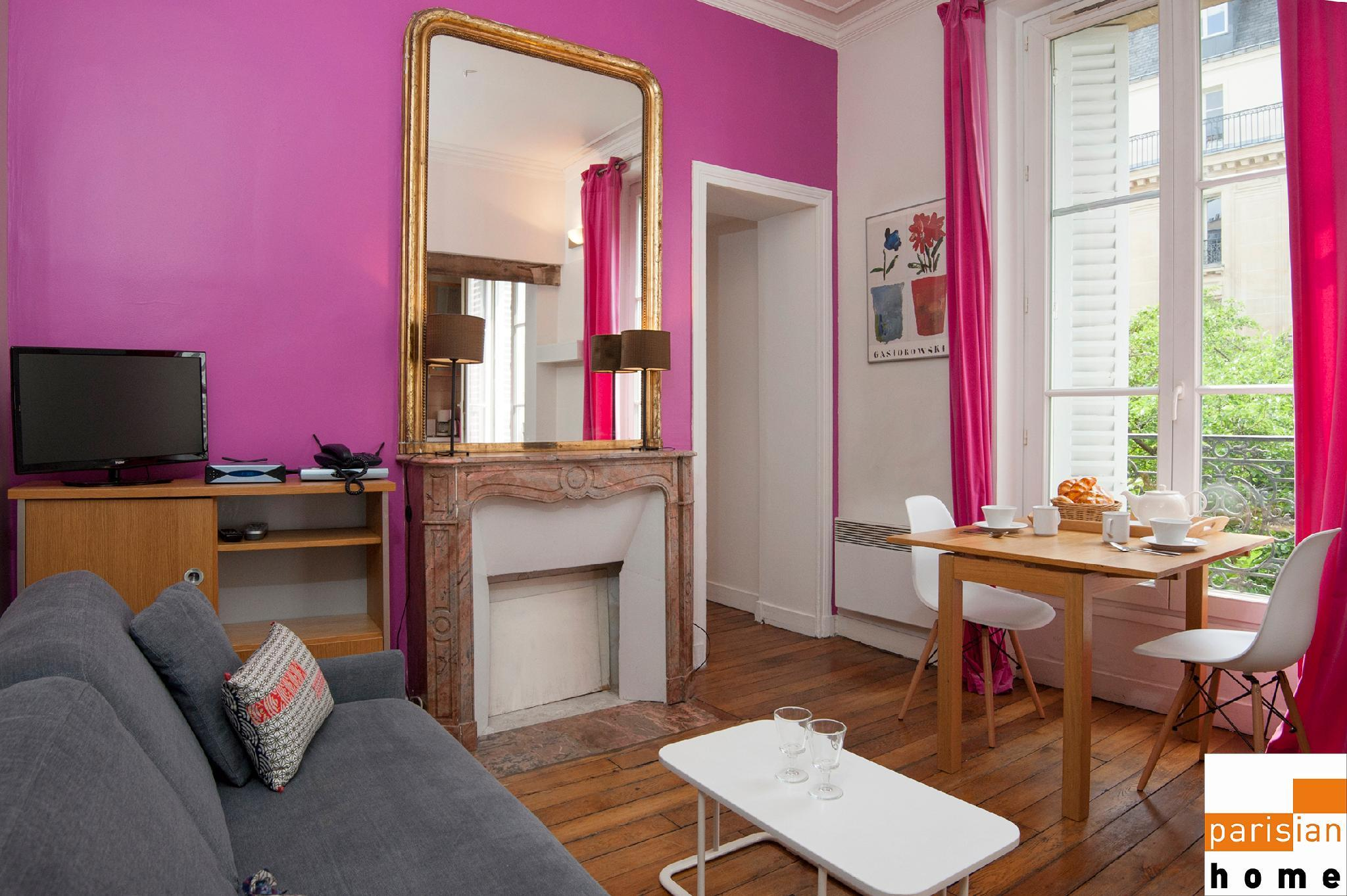 101202 - Comfortable flat for 4 people at a walking distance from Les Halles