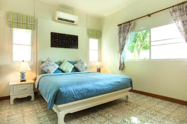 Tranquil Shared Pool Villa With 3 Bedrooms - Rawai Phuket