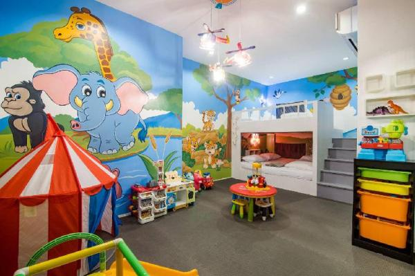 Hua Hin Pool Villa Kids club Slider CoCo melon Hua Hin