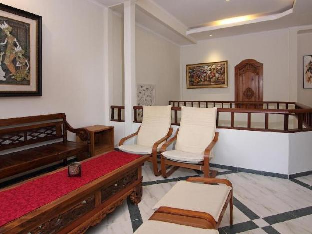 Family 5BR Villa with Swimming Pool