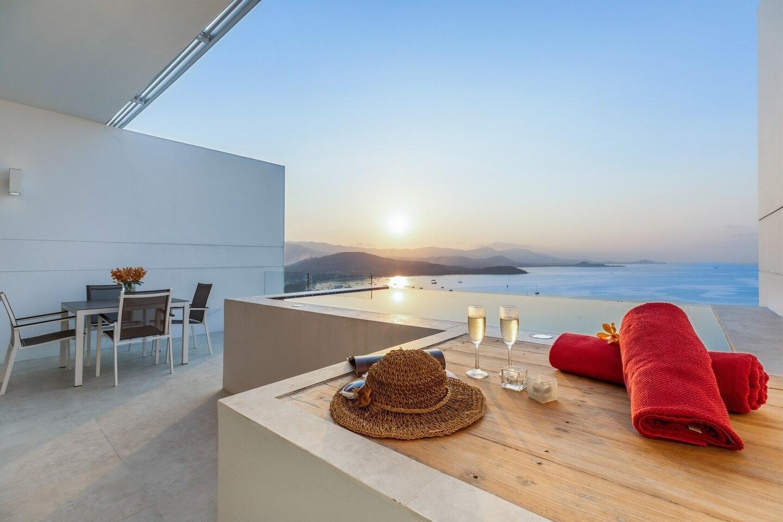 Luxuary Sea view Penthouse R @ uniQue อพาร์ตเมนต์ 2 ห้องนอน 2 ห้องน้ำส่วนตัว ขนาด 375 ตร.ม. – เชิงมน