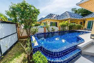 [ラワイ]ヴィラ(349m2)| 3ベッドルーム/3バスルーム 3 bedroom villa in Nai Harn inside villa estate