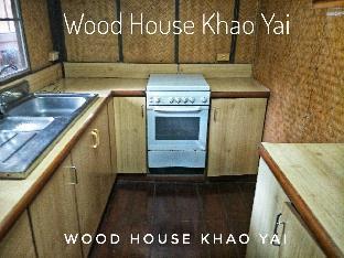 [カオヤイ国立公園]一軒家(30m2)| 3ベッドルーム/1バスルーム Wood house Family3 Close to Thanarat Road, KM. 6