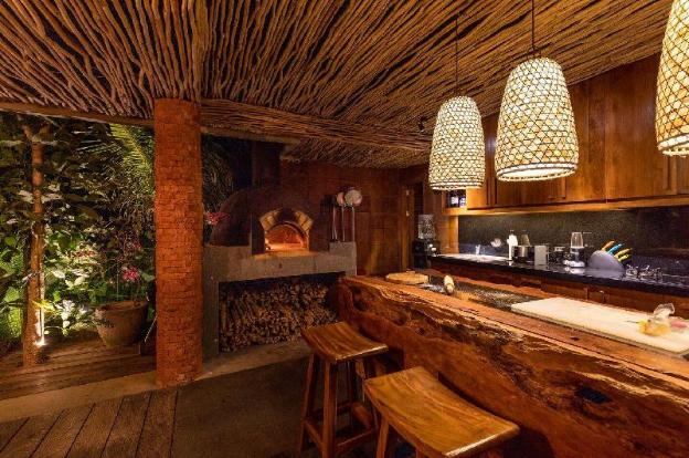 Luxury 5BR villa in the heart of Berawa, Canggu
