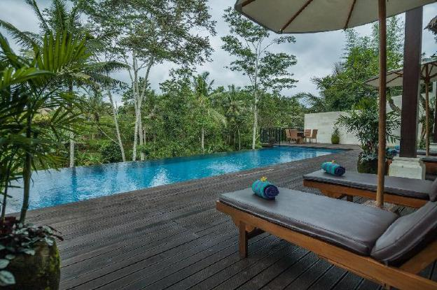 6BR Luxury Villa with Natural Forest View