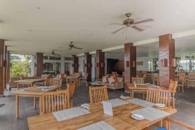2BR Stunning Villa + Breakfast close to Center
