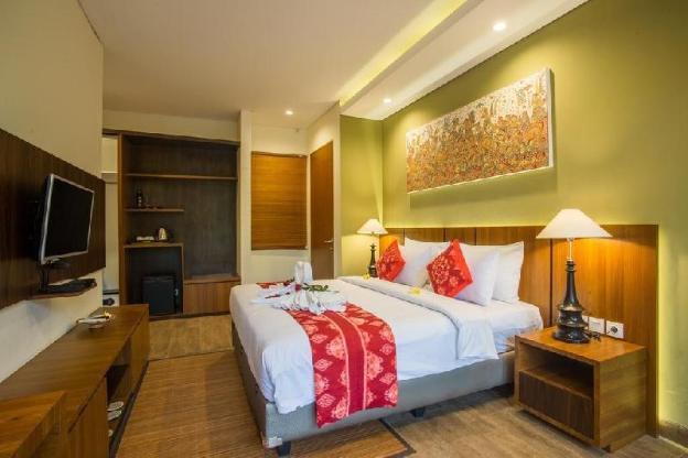 6BR Entire Pool Villa  with Living Room @Ubud