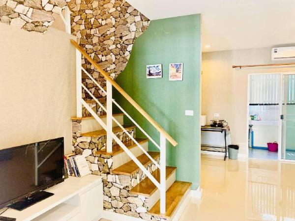 Private Cozy Town Home 2BR #1 @ Impact arena Bangkok