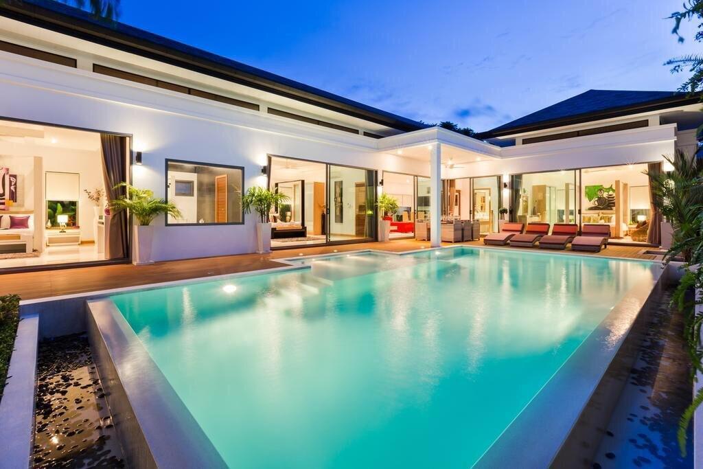 Dream Boutique 4 Bedroom Villa Near Naiharn Beach วิลลา 4 ห้องนอน 4 ห้องน้ำส่วนตัว ขนาด 520 ตร.ม. – ในหาน