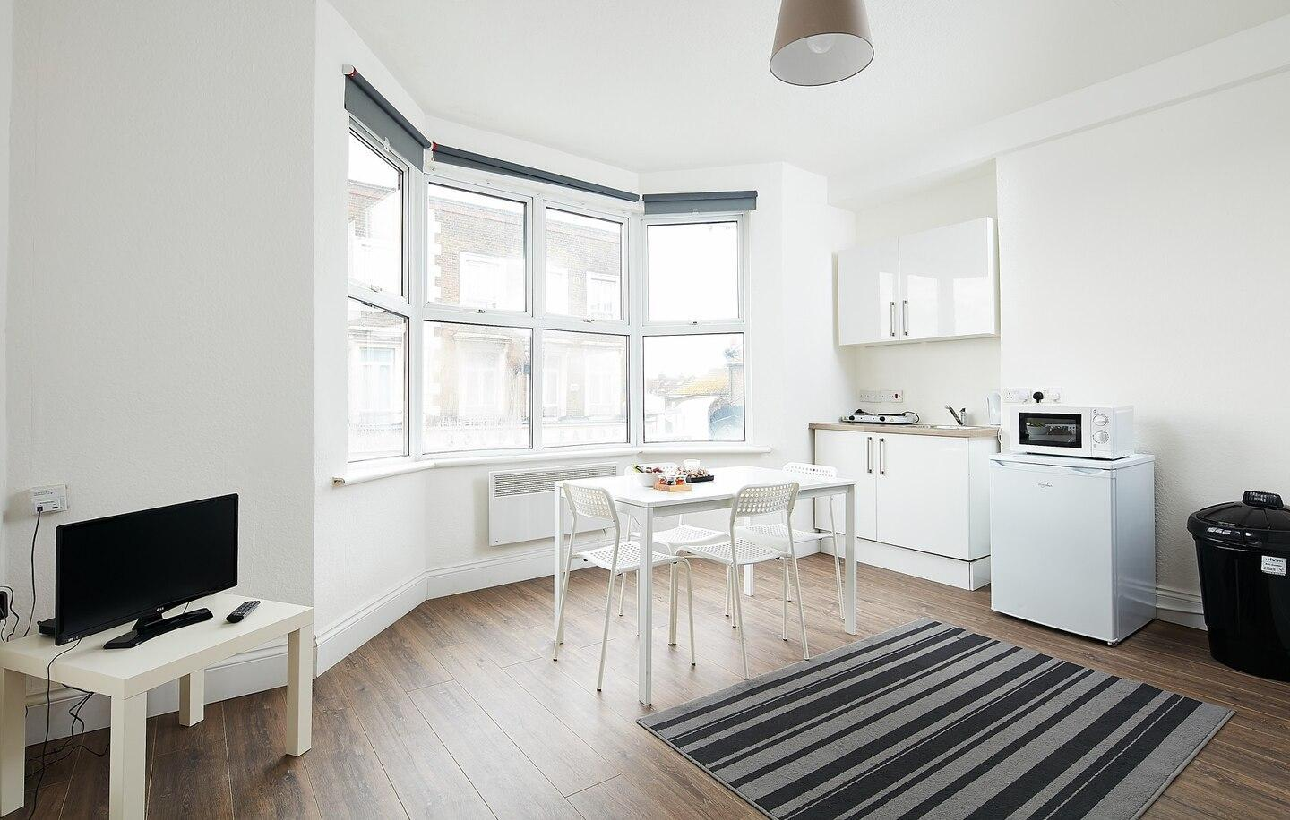 Charmstay Apartment on Piccadilly Line