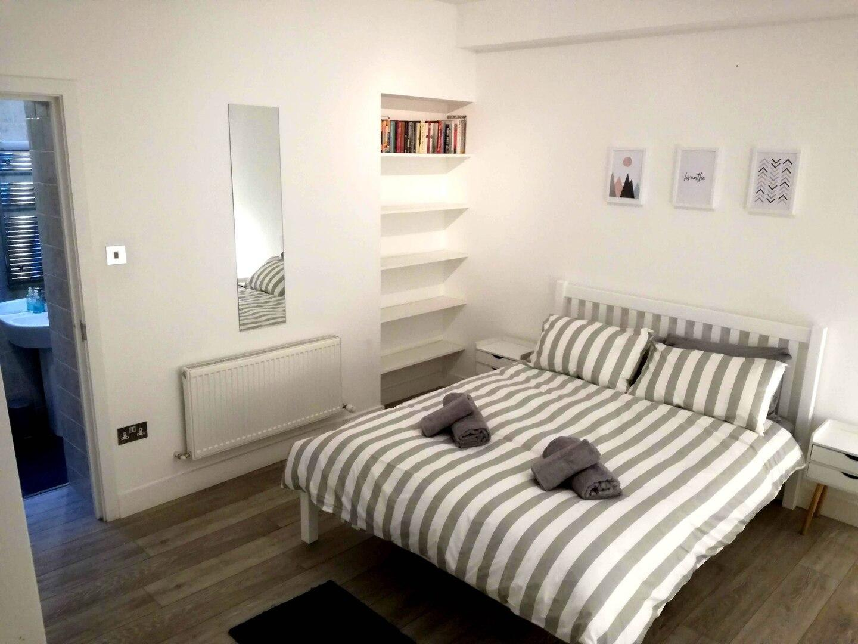 One-Bedroom Apartment near Euston Station