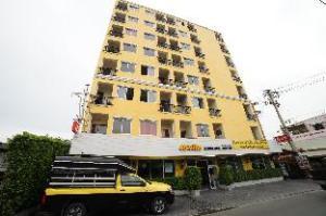 DMK Donmuang Airport Hostel