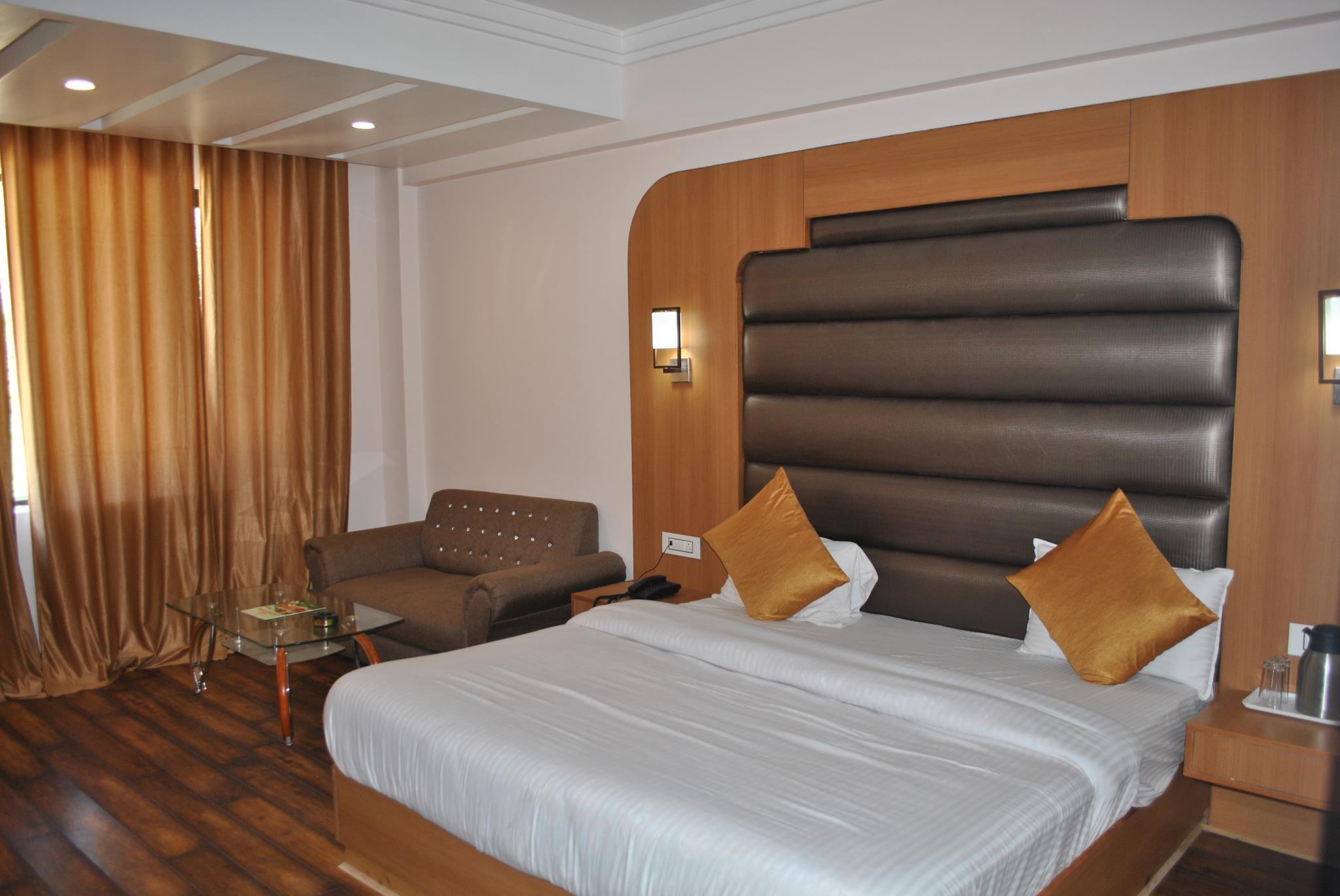 Hotel Jai Skahan Patnitop Hotel Natraj International In India Asia