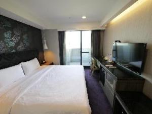 Jung Zaw Hotel